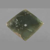 Jade: pendant